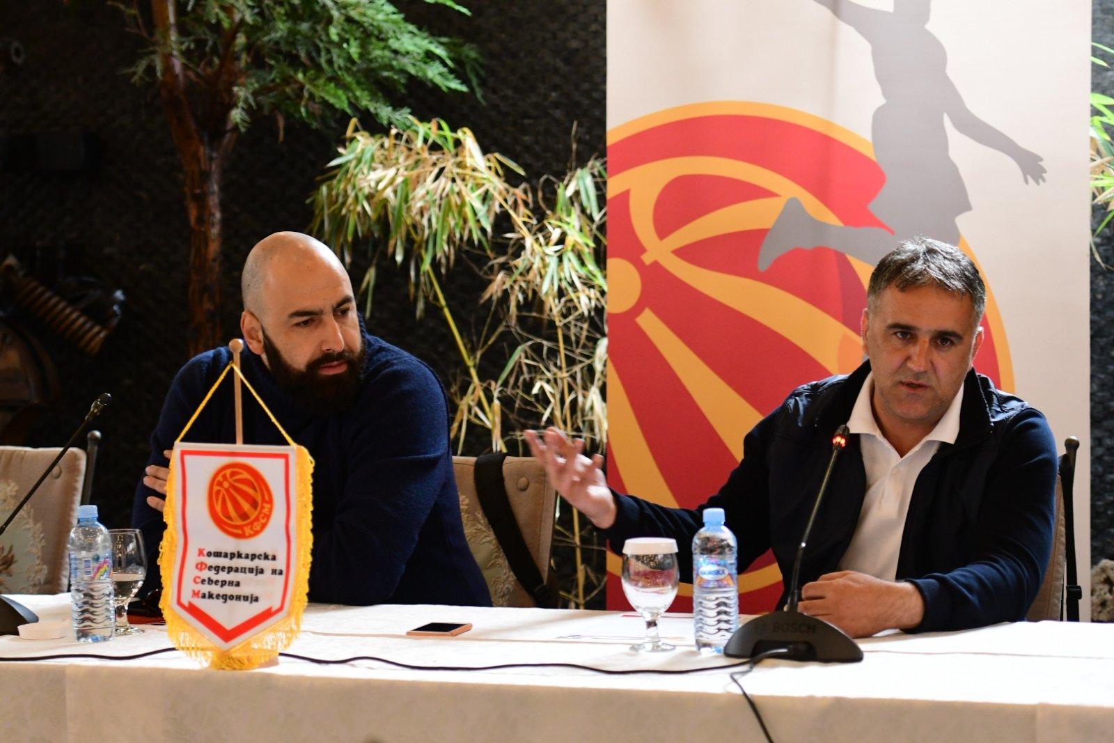 Драган Бајиќ e 15. селектор во историјата на македонската сениорска репрезентација