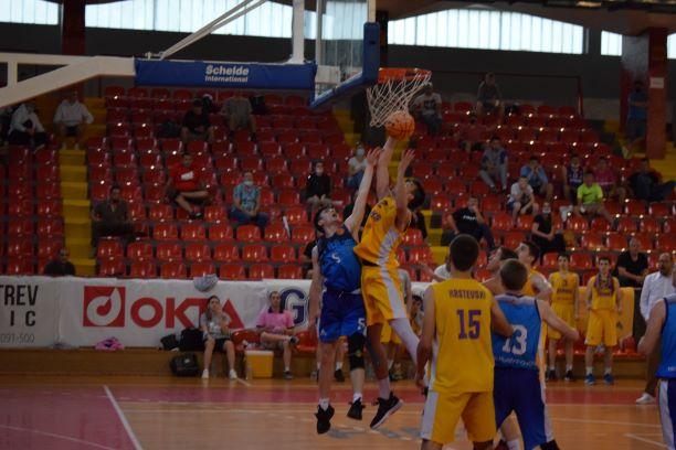 МЛАДИНСКИ ЛИГИ: Феникс 2010 прв финалист во М18 лигата
