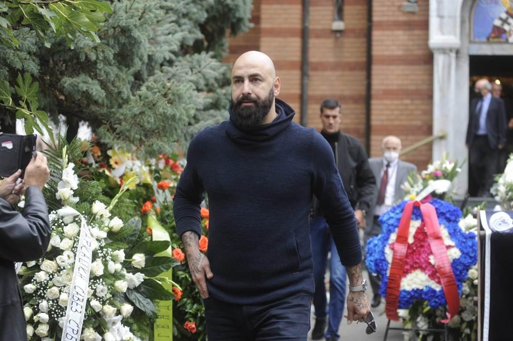 Претседателот Перо Антиќ се прости од Душан Ивковиќ (ФОТО)