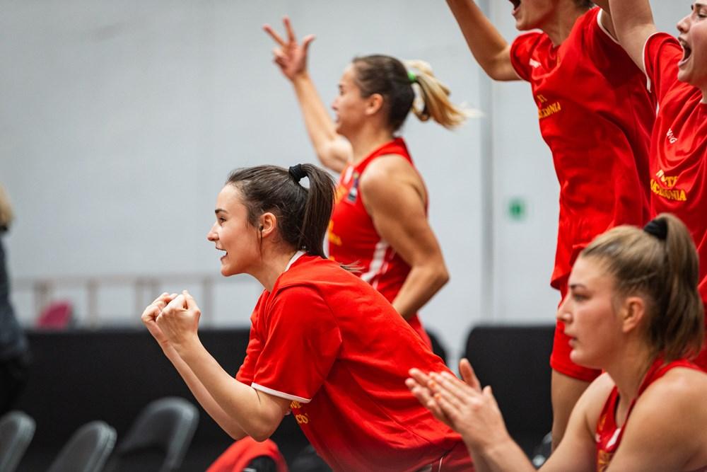 Вистински потег на селекторот, први сениорски минути и за Марија Димитријевиќ