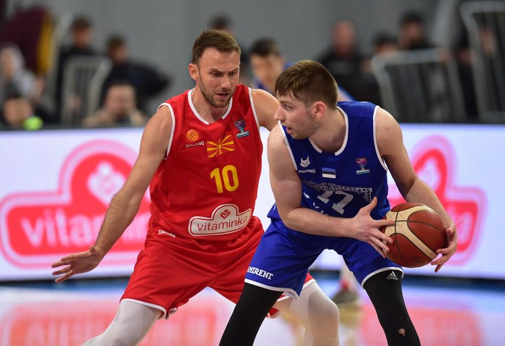 Тестовите негативни – селекторот Александар Тодоров со 12. играчи на првиот тренинг