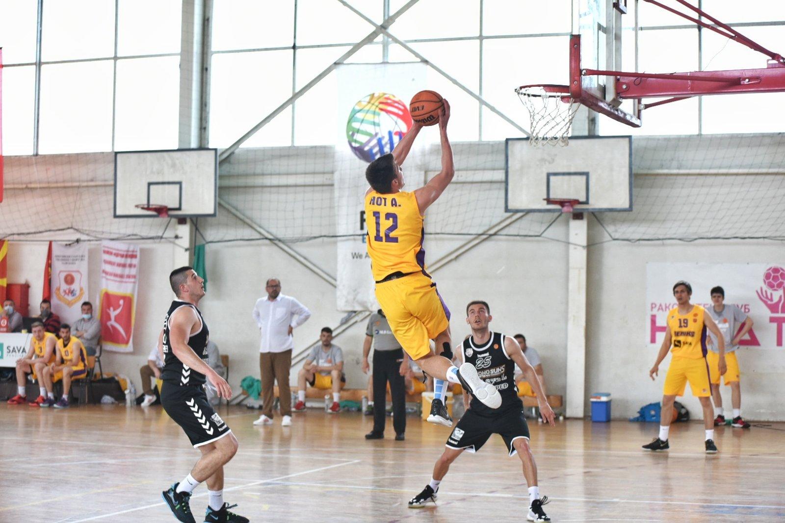 ВТОРА ЛИГА-МАЖИ: Феникс 2010 е на чекор до место во Првата лига