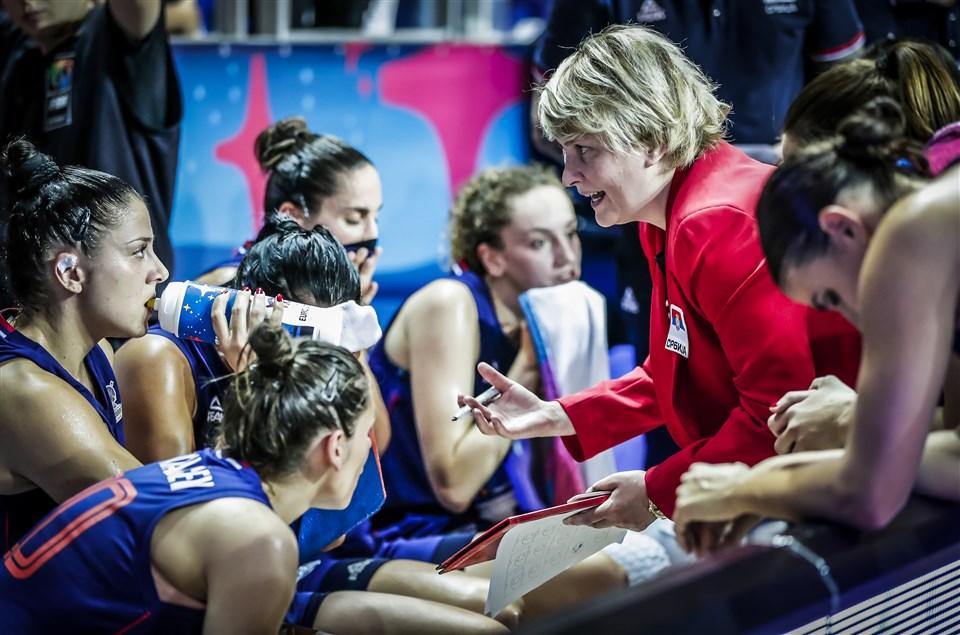 ФИБА Европа дополнително ја поттикнува улогата на жените-тренери и жени-судии