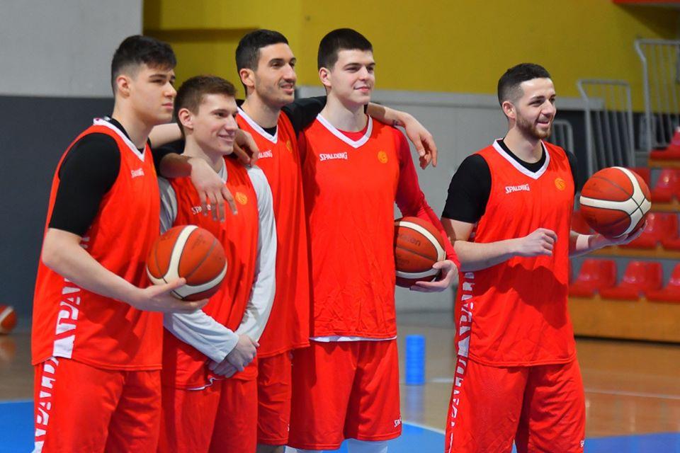 Тодоров го избра тимот: Друга шанса ќе чекаат Бакоч, Ефремоски и Миловановиќ