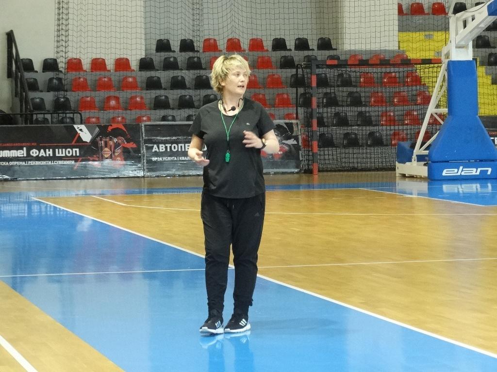 Целата кошаркарска јавност во Македонија треба да ја поддржи женската кошаркарска репрезентација