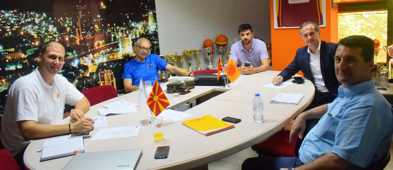 Одржан состанок на комисијата за инспекција на салите на прволигашите