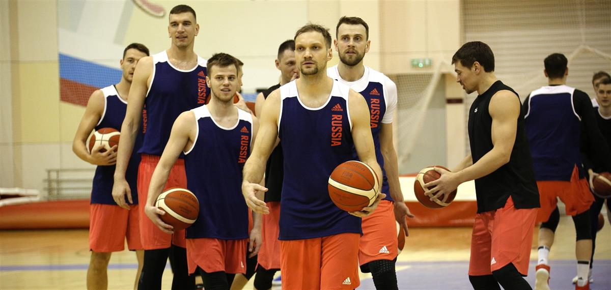 "Базаревич остана без ""евролигашите"", отпаднаа и повредените Кулагин и Забелин"