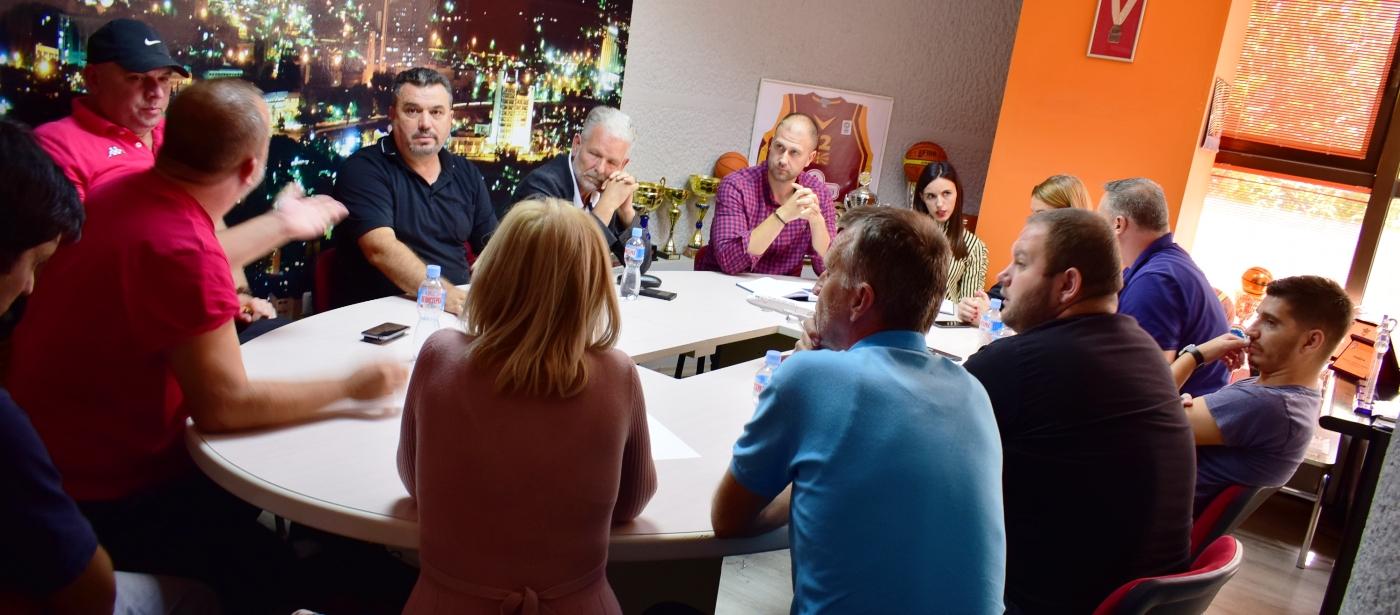 Одржан состанок со клубови кои ќе се натпреваруваат во женски младински категории