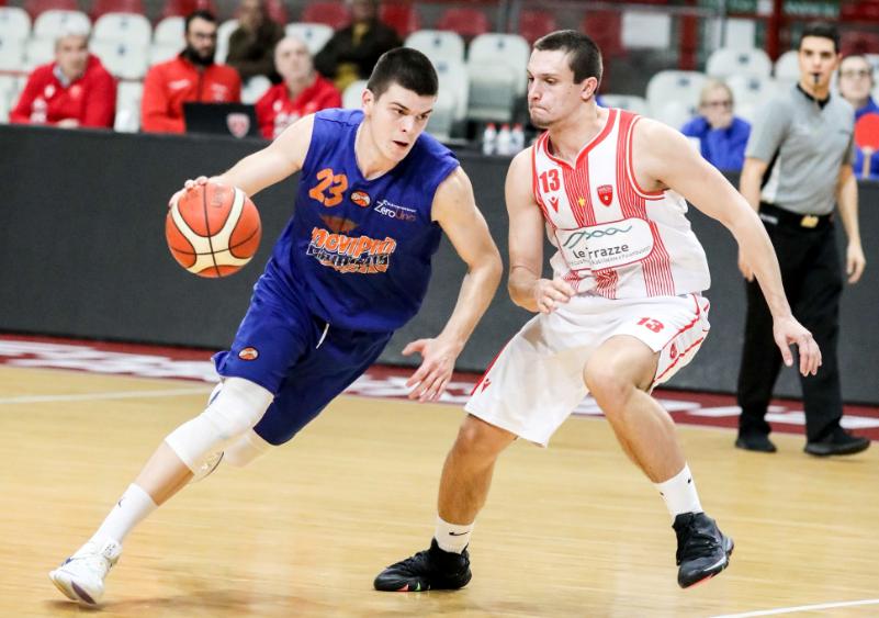 Андреј Јакимовски конечно е во Македонија: Само дома си е дома!