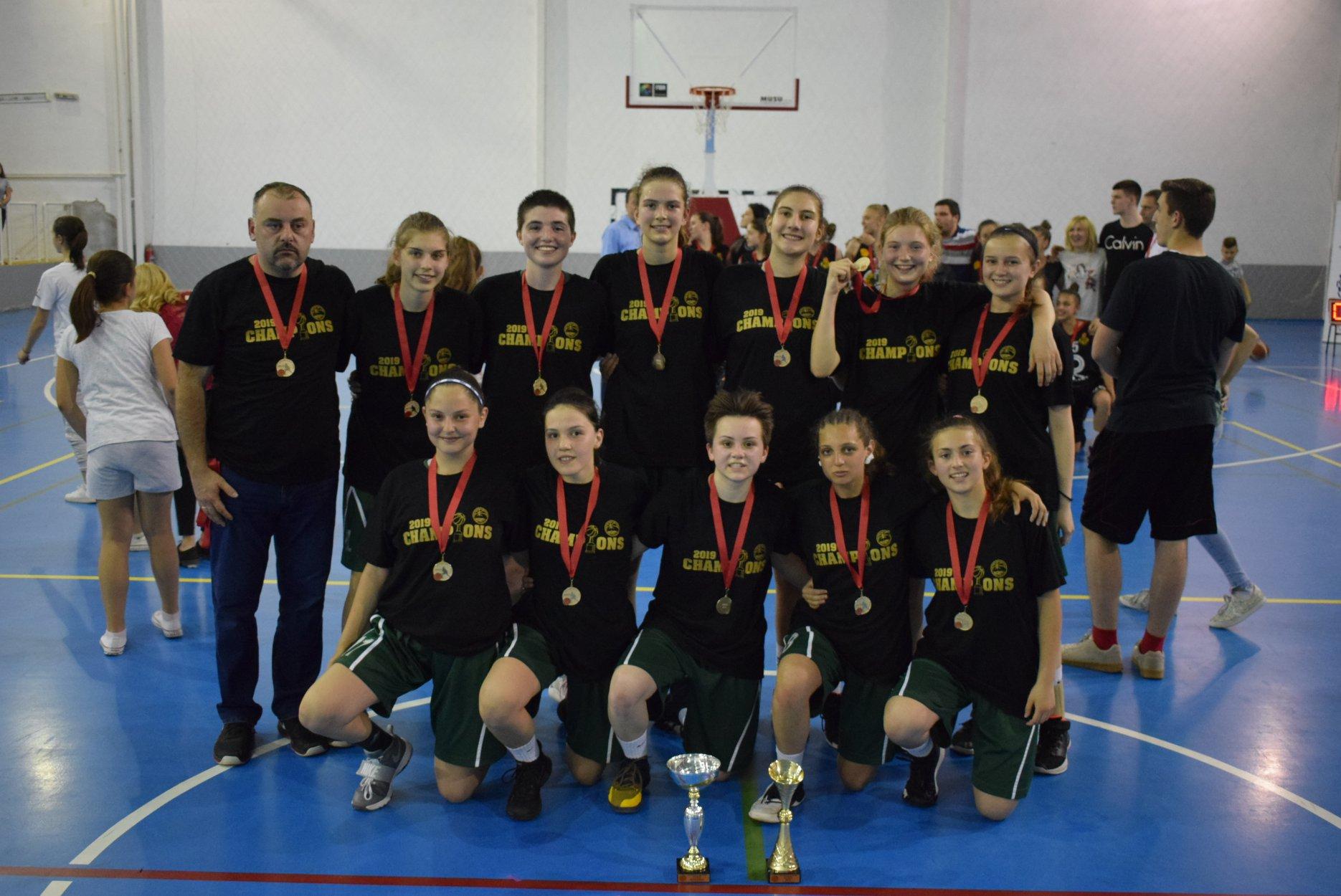 М16: Кошаркарките на Струга 2009 шампионки за 2018/2019