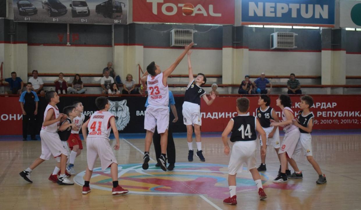 Кошаркарите на Водњански Лисици го освоија третото место во М12