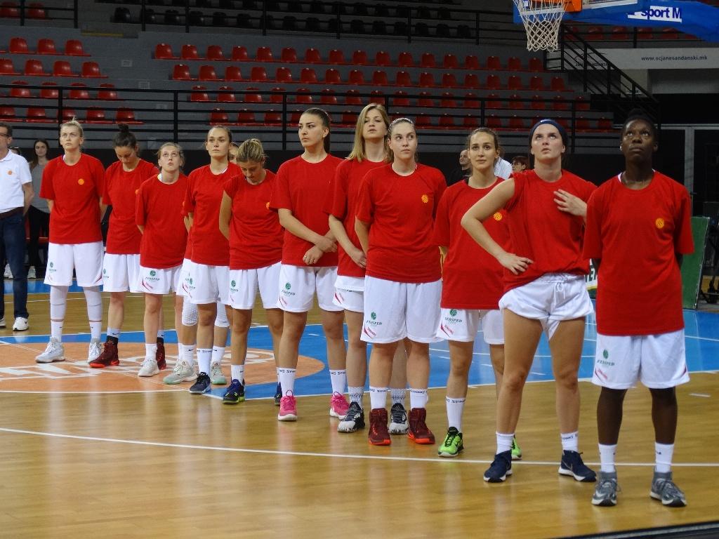 Сениорките триумфално го започнаа турнирот, победа над Бугарија со 77-62