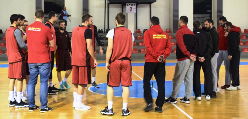 Поширок список на кошаркари повикани за сениорска репрезентација